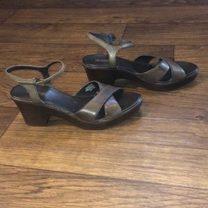 Kenneth Cole Brown Sandal Size 9.5